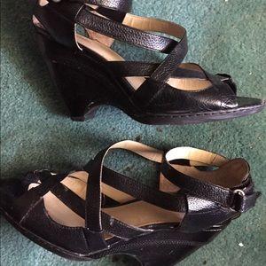 Nine West Black leather wedge heel opened toe shoe